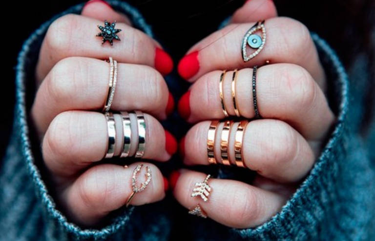 milyen betegség okozza a gyűrűt)