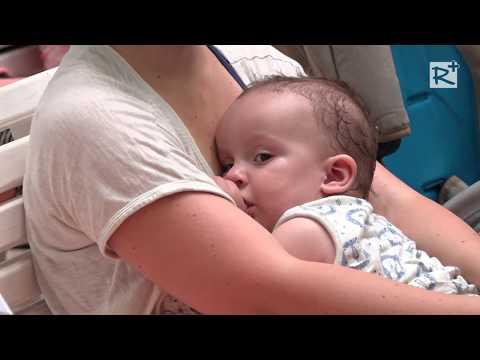 férgeket kezelő csecsemők)