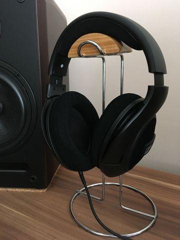 milyen fejhallgatók vannak a széken)
